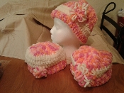 Crocheted Hat with rim in pink/peach/white